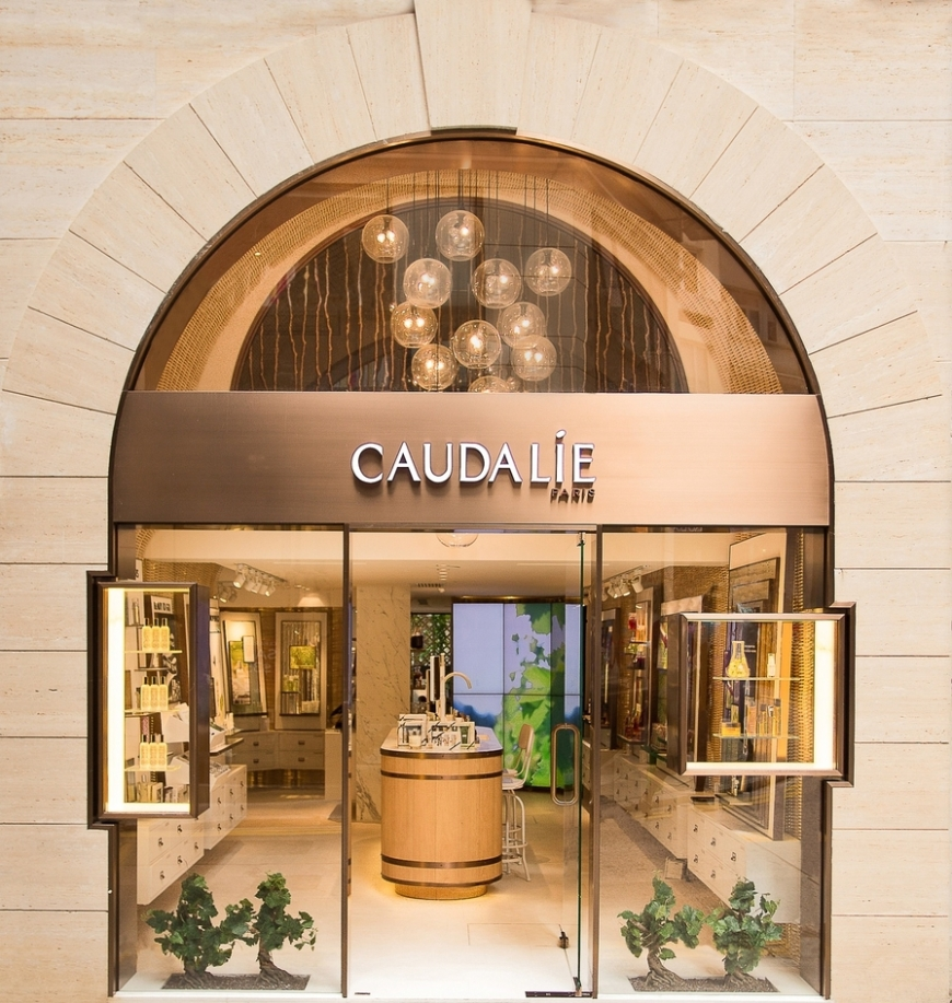 CAUDALIE_BOUTIQUE_FACADE-m