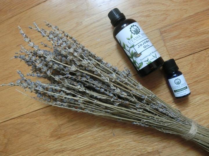 Utama Spice jojoba oil lavender oil.JPG