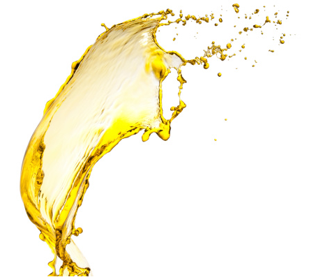 How you can use oil to remove makeup