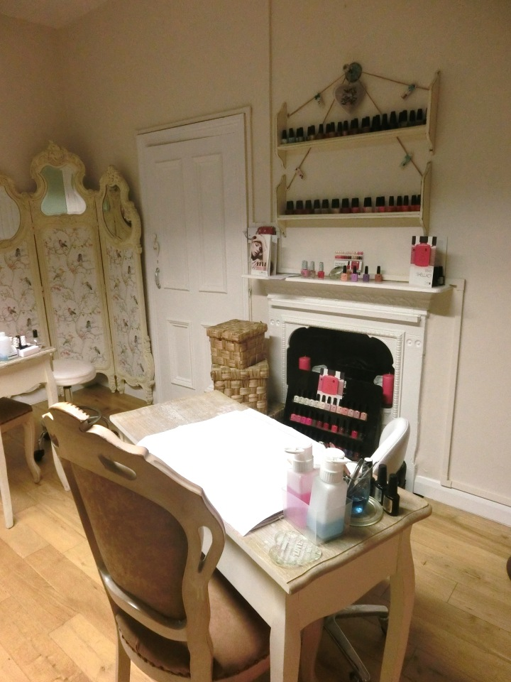 nail-treatment-area-id-your-beauty-newcastle-followmeesh-review