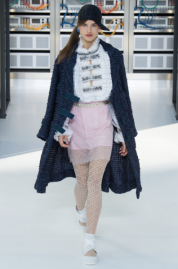 back-to-basic-practically-long-tweed-jacket-chanel-ss17-followmeesh