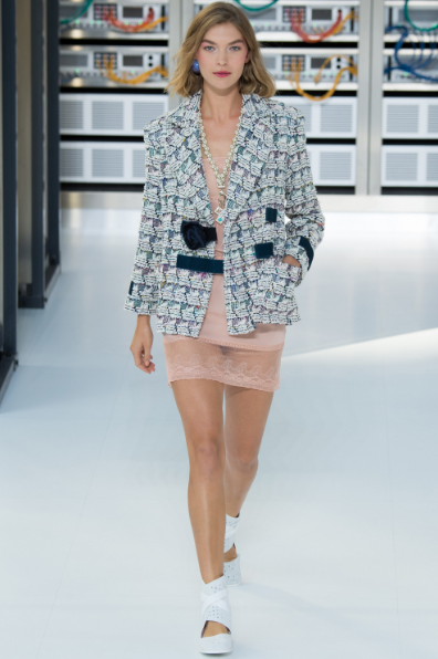 lace-slip-dress-and-tweed-jacket-chanel-ss17-followmeesh