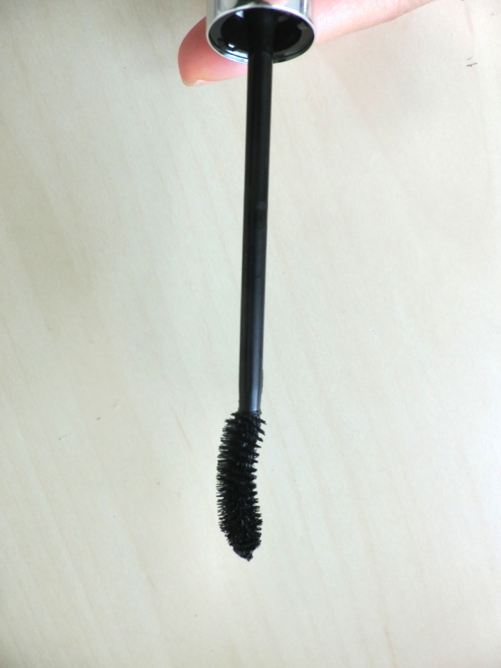 wand-of-dior-iconic-overcurl-mascara-followmeesh