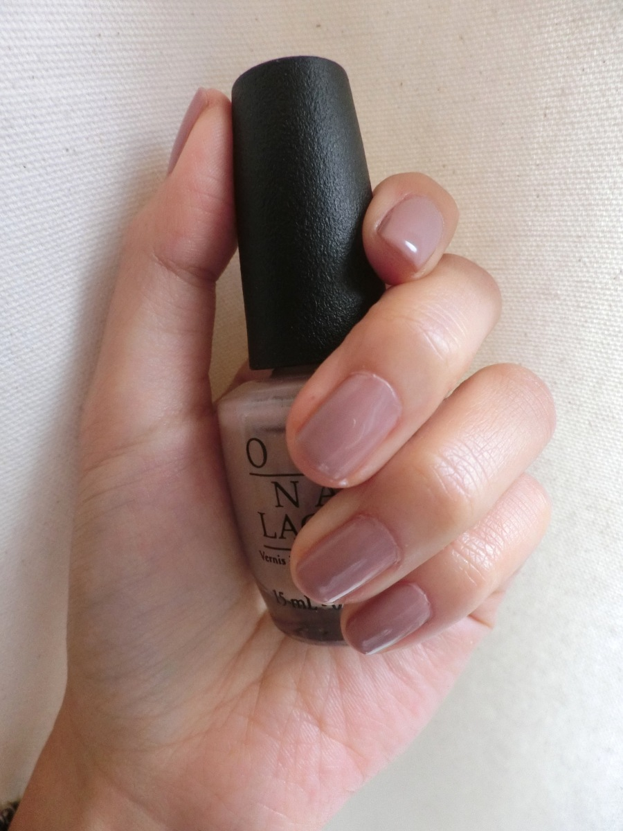 Swatch | OPI | Tickle my france-y review - my favorite nude nail color