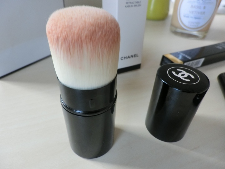 chanel-les-beige-kabuki-brush-followmeesh