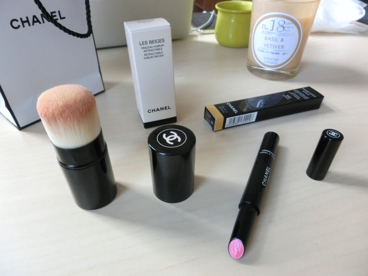 chanel-retractable-kabuki-brush-and-rouge-coco-style-review-followmeesh