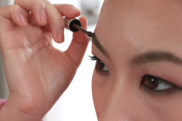 benefit gimme brow how to use.JPG