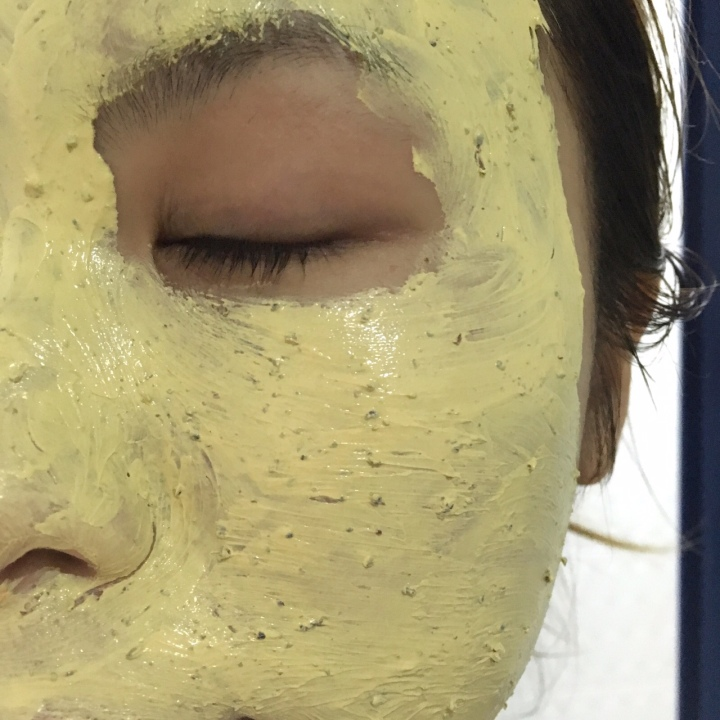 kiehls tumeric and cranberry masque.JPG