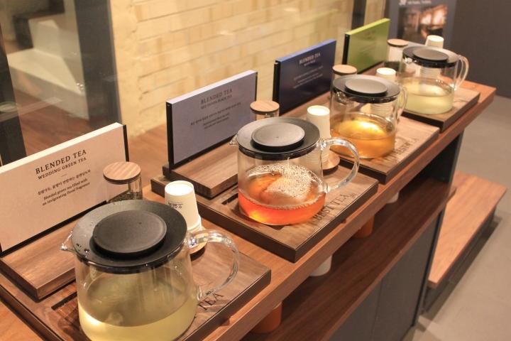 tea tasting at Osulluc